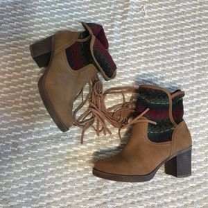 JustFab Shoes - JustFab ankle booties Sz 6..5/7